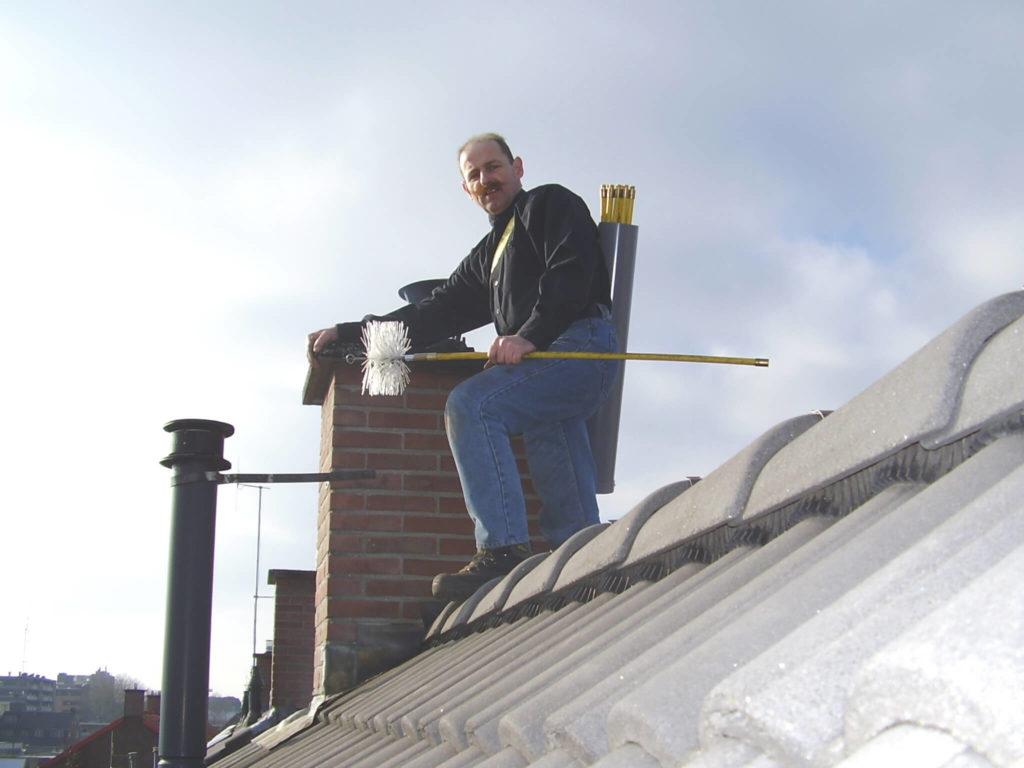 L'essentiel à retenir sur le ramonage d'une cheminée à foyer fermé